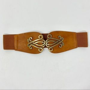 Vegan brown stretch belt with gold clasp.